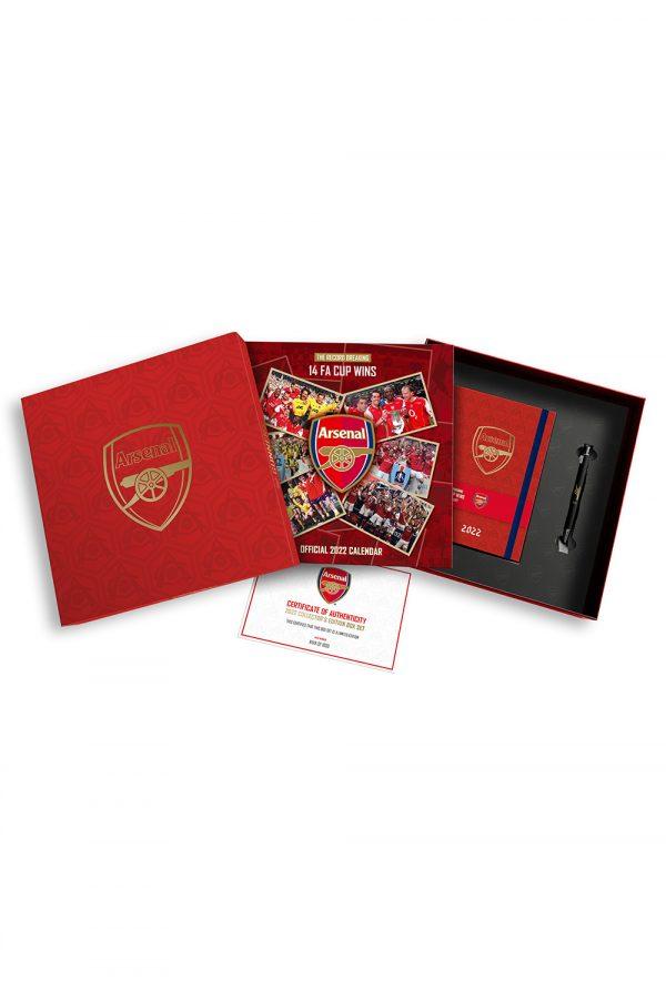 Arsenal-2022-Gift-Set-Pack-Shot